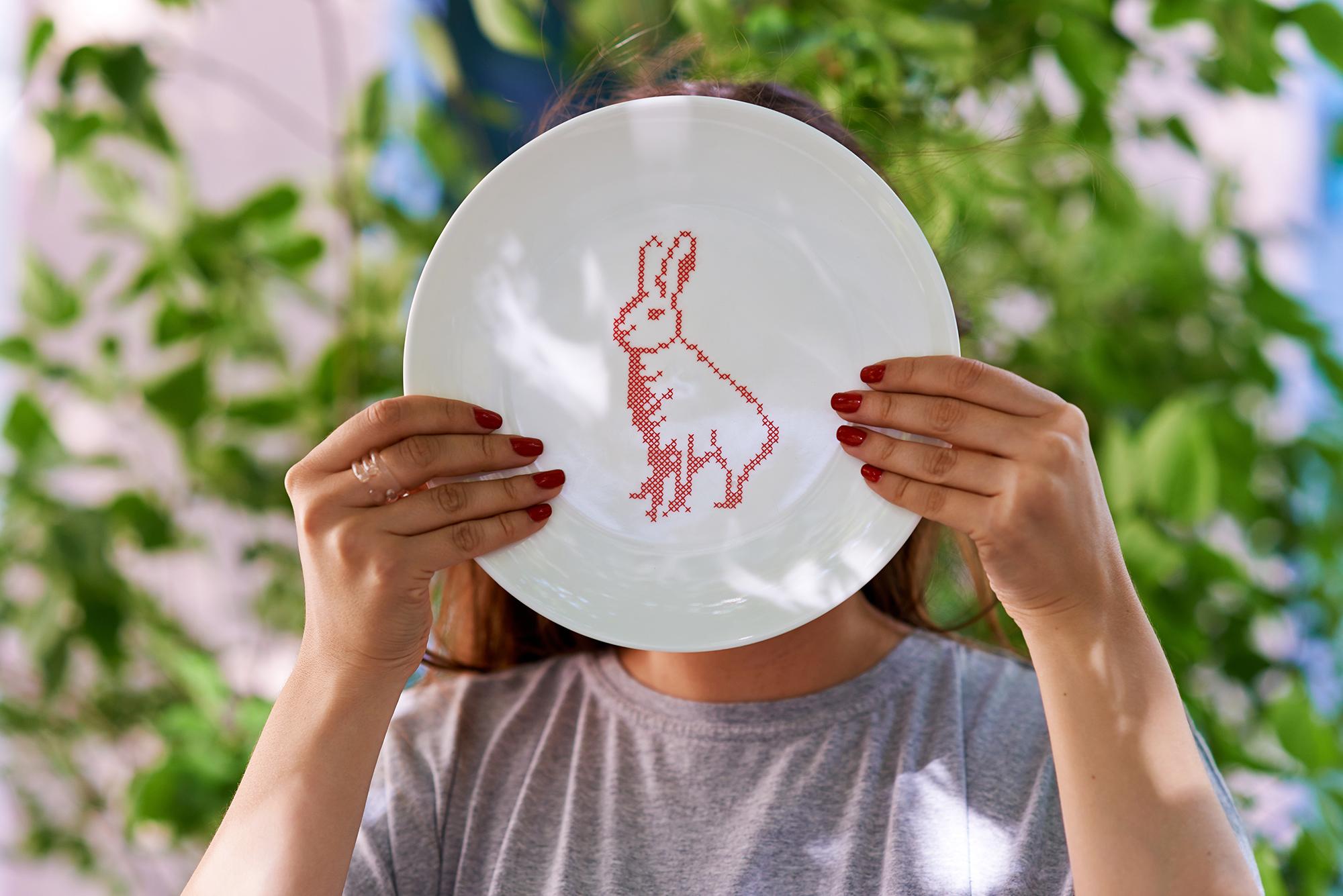 AMAI_product_LU_Plate «Follow two hares» (7)